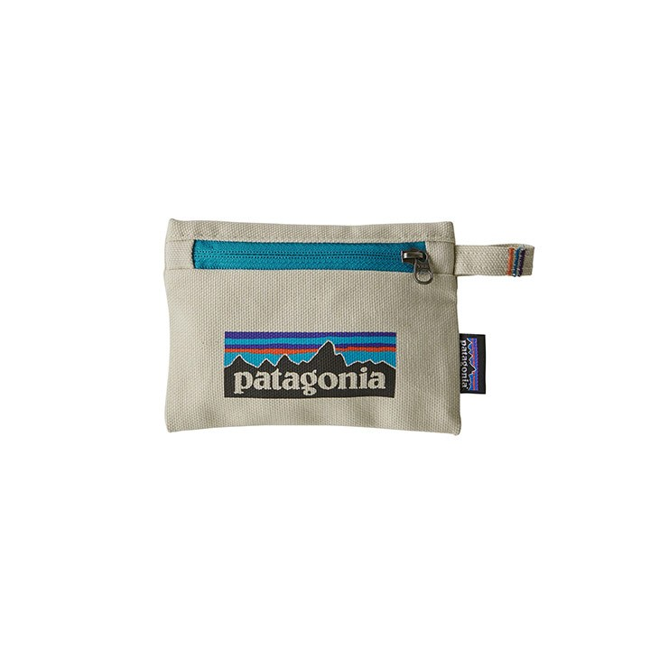 Patagonia Small Zippered Opbergtas P-6 Logo: Bleached Stone - Monkshop