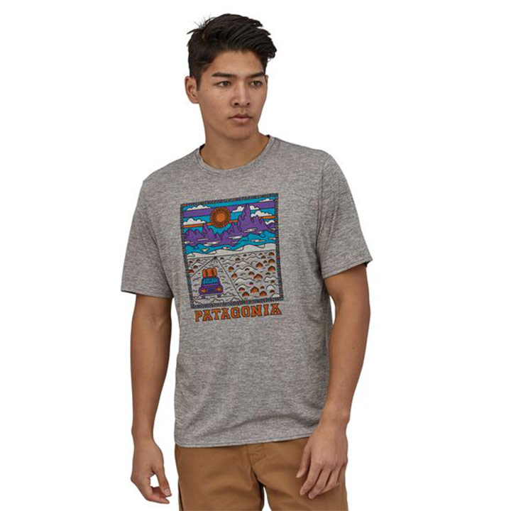 Patagonia Cap Cool Daily Graphic Heren T-Shirt Summit Road: Feather Grey - Monkshop
